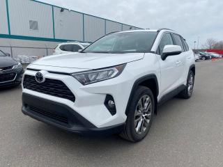 Used 2019 Toyota RAV4 ** XLE * PREMIUM * AWD * TOIT * ANGLES M for sale in Québec, QC