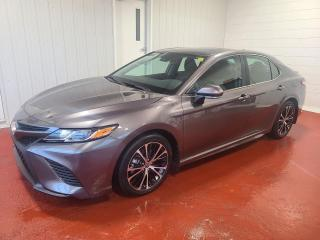 Used 2020 Toyota Camry HYBRID SE for sale in Pembroke, ON