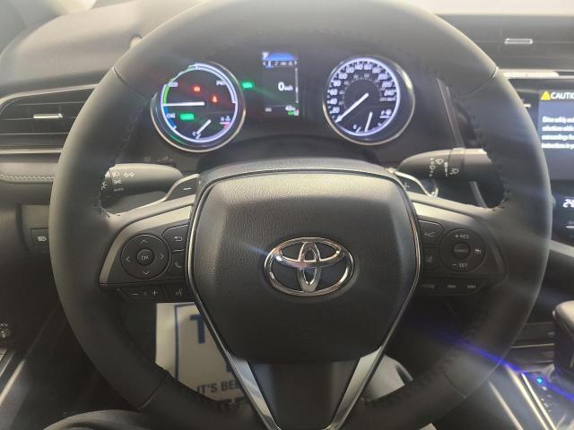 2020 Toyota Camry HYBRID SE Photo10