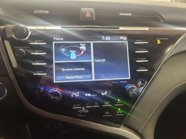 2020 Toyota Camry HYBRID SE Photo14