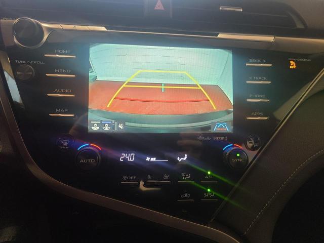 2020 Toyota Camry HYBRID SE Photo16