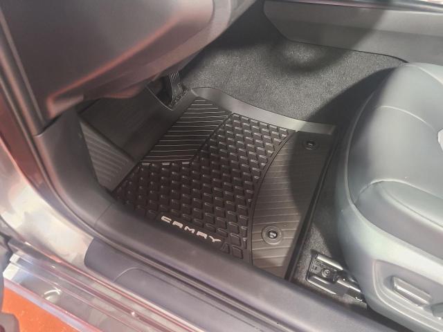 2020 Toyota Camry HYBRID SE Photo17