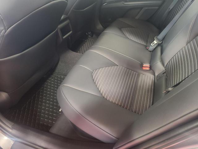 2020 Toyota Camry HYBRID SE Photo20