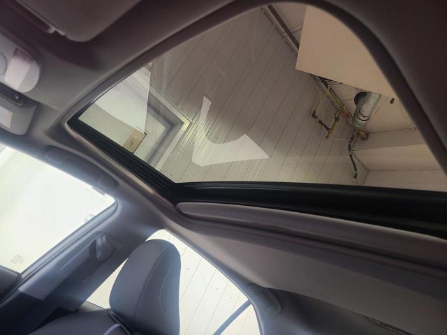 2020 Toyota Camry HYBRID SE Photo24