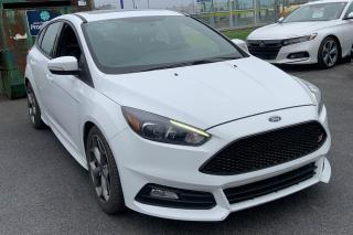 Used 2017 Ford Focus ST CUIR TOIT MAGS NAV CAMERA DE RECUL for sale in St-Hubert, QC