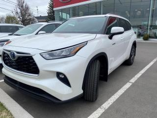Used 2020 Toyota Highlander HYBRID ** XLE * AWD * TOIT OUVRANT *GPS   * CU for sale in Québec, QC