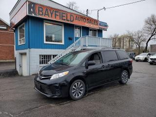 Used 2018 Toyota Sienna LE AWD **Only 38k!** for sale in Barrie, ON