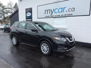 Used 2017 Nissan Rogue HEATED SEATS, BACKUP CAM, BLUETOOTH!! for sale in North Bay, ON