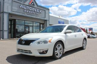 Used 2013 Nissan Altima 3.5 SV for sale in Calgary, AB