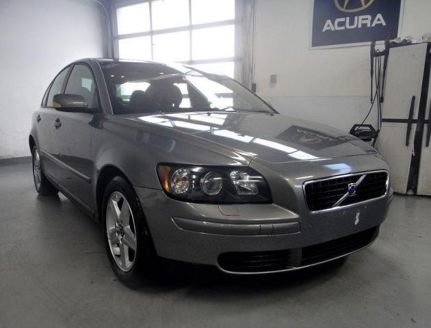 2005 Volvo S40 GOOD CAR FOR LOW BUDGET,CLEAN