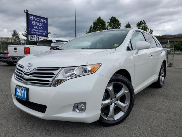 2011 Toyota Venza Leather, Navigation, Panoramic roof