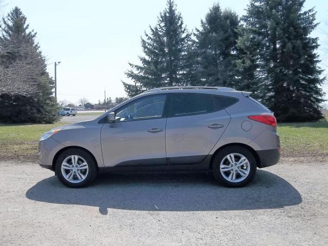 2013 Hyundai Tucson GLS AWD- ONE OWNER