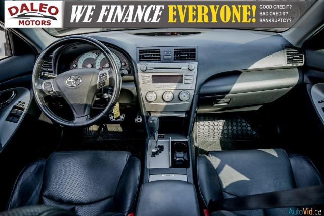 2010 Toyota Camry SE / LEATHER / MOONROOF / POWER SEATS / LOW KMS Photo13