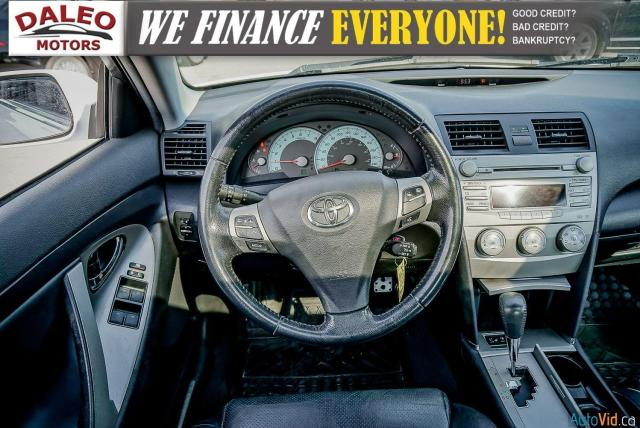 2010 Toyota Camry SE / LEATHER / MOONROOF / POWER SEATS / LOW KMS Photo14