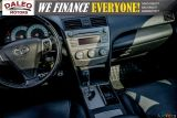 2010 Toyota Camry SE / LEATHER / MOONROOF / POWER SEATS / LOW KMS Photo41