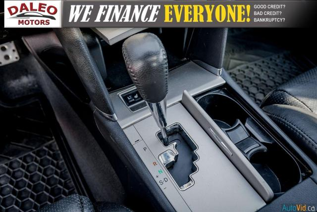 2010 Toyota Camry SE / LEATHER / MOONROOF / POWER SEATS / LOW KMS Photo20