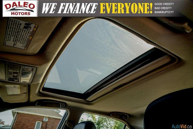 2010 Toyota Camry SE / LEATHER / MOONROOF / POWER SEATS / LOW KMS Photo24