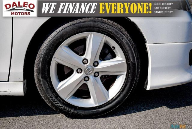 2010 Toyota Camry SE / LEATHER / MOONROOF / POWER SEATS / LOW KMS Photo25