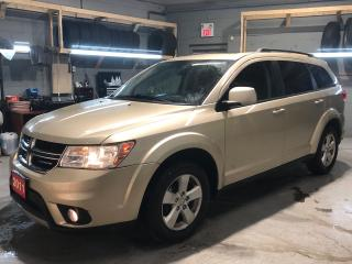Used 2011 Dodge Journey SXT * V6 * Sunroof * UConnect * Rear Climate Control * Cruise Control * Steering Wheel Controls * Push Button Start * AM/FM/SXM/CD/USB/Aux/Bluetooth * for sale in Cambridge, ON
