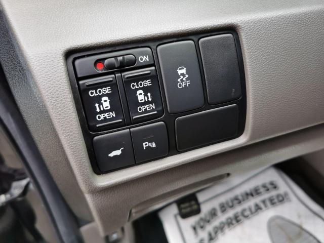 2013 Honda Odyssey EX-L Photo15