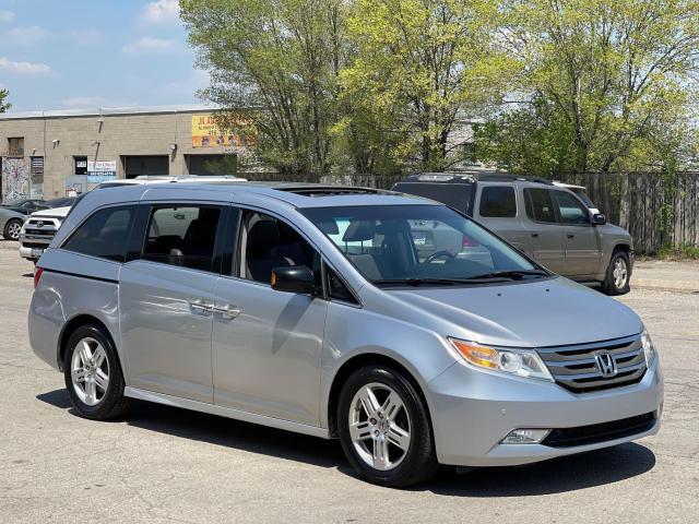 2012 Honda Odyssey Touring Navigation /DVD/Sunroof /Camera Photo3