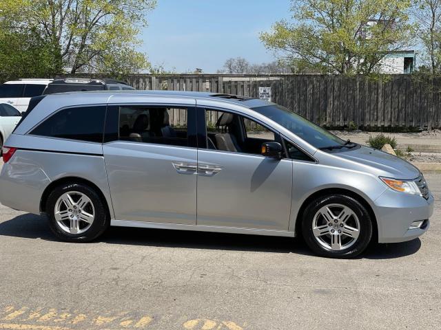 2012 Honda Odyssey Touring Navigation /DVD/Sunroof /Camera Photo4