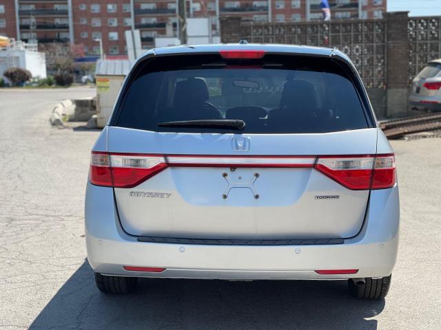 2012 Honda Odyssey Touring Navigation /DVD/Sunroof /Camera Photo6