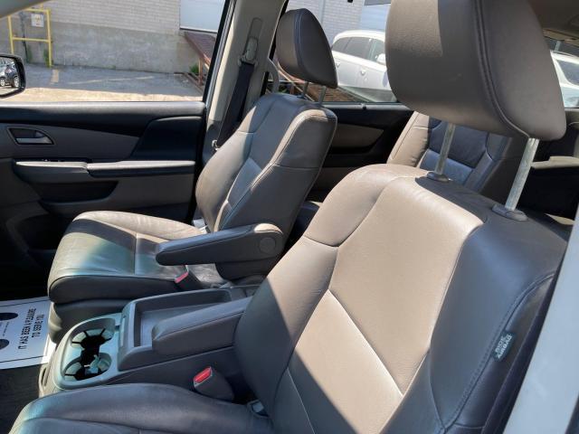 2012 Honda Odyssey Touring Navigation /DVD/Sunroof /Camera Photo11