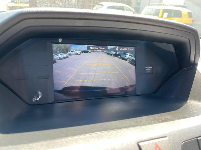 2012 Honda Odyssey Touring Navigation /DVD/Sunroof /Camera Photo18