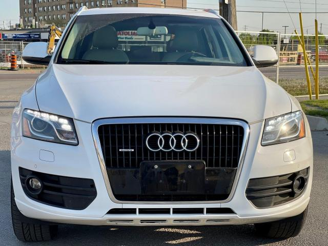 2012 Audi Q5 3.2L Premium  Plus Navigation /Panoramic Sunroof Photo2