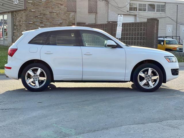 2012 Audi Q5 3.2L Premium  Plus Navigation /Panoramic Sunroof Photo4