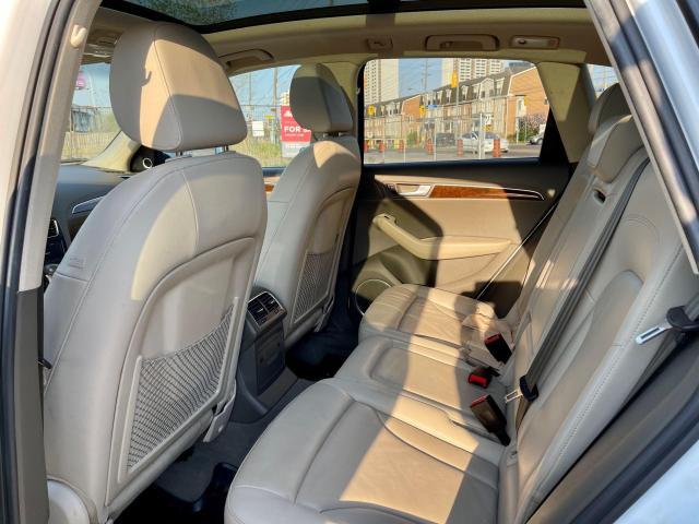 2012 Audi Q5 3.2L Premium  Plus Navigation /Panoramic Sunroof Photo8