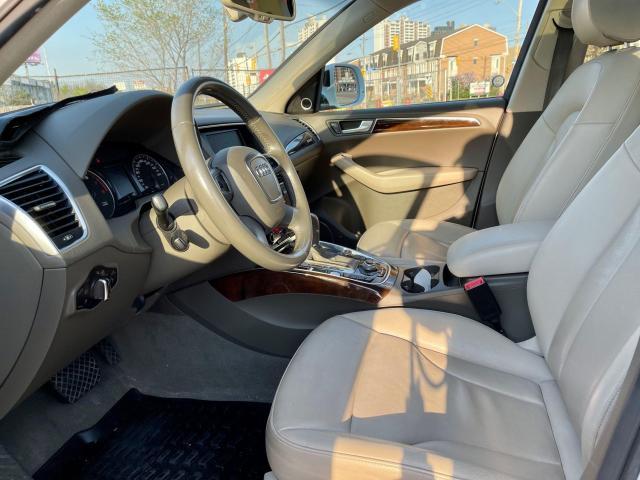 2012 Audi Q5 3.2L Premium  Plus Navigation /Panoramic Sunroof Photo10