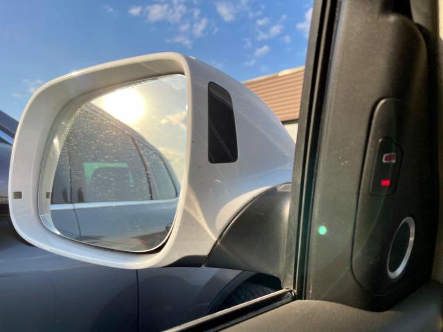 2012 Audi Q5 3.2L Premium  Plus Navigation /Panoramic Sunroof Photo12