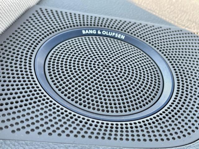 2012 Audi Q5 3.2L Premium  Plus Navigation /Panoramic Sunroof Photo15