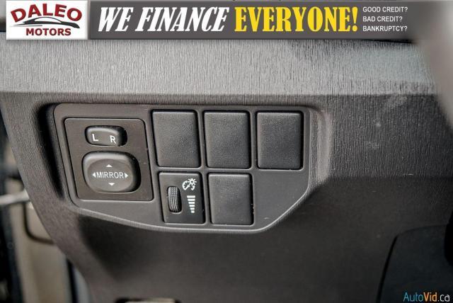 2012 Toyota Prius HYBRID / BACK UP CAM / BLUETOOTH Photo18