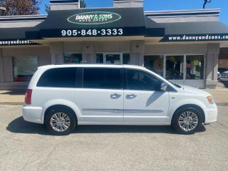 Used 2014 Chrysler Town & Country Touring w/Leather 30th Anniversary for sale in Mississauga, ON