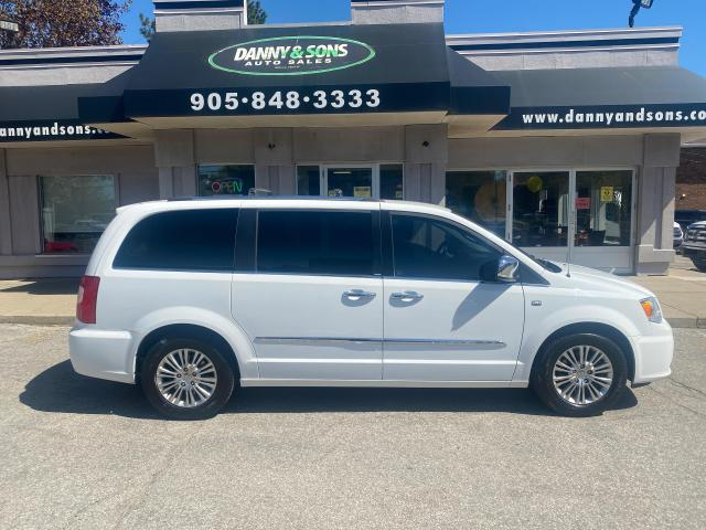 2014 Chrysler Town & Country Touring w/Leather 30th Anniversary