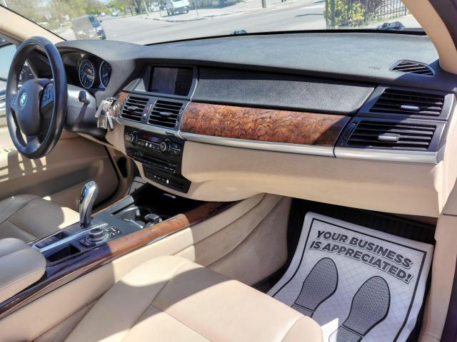 2010 BMW X5 30i Photo35