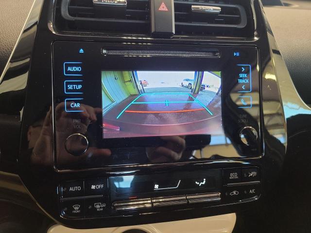 2017 Toyota Prius  Photo15