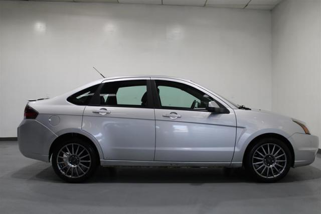 2011 Ford Focus SES 4D Sedan