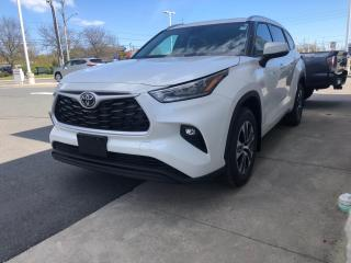 New 2021 Toyota Highlander XLE AWD + REMOTE START! for sale in Cobourg, ON