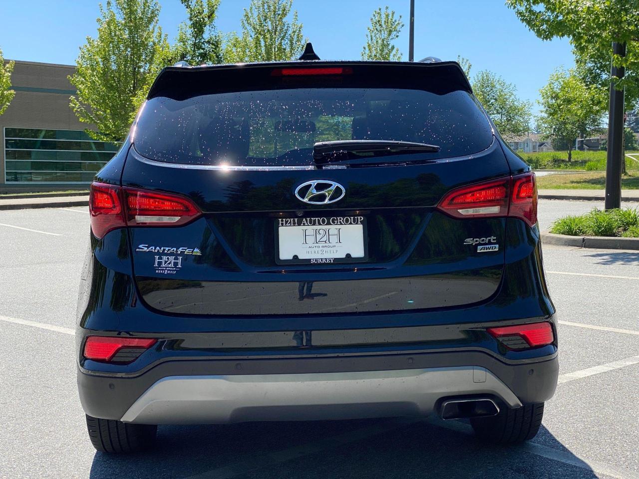2017 Hyundai Santa Fe Sport SE Photo6