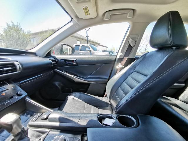 2014 Lexus IS 250 SPORT Photo25