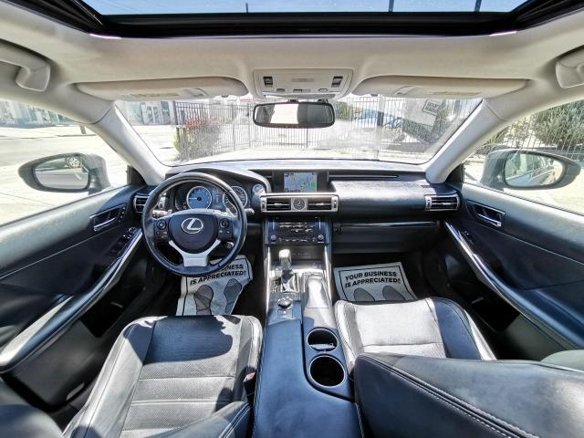 2014 Lexus IS 250 SPORT Photo30