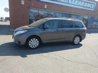 Used 2017 Toyota Sienna LE for sale in Mississauga, ON