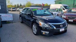 Used 2013 Nissan Altima SL **CAMERA / LEATHER HEATED SEATS*** for sale in Burlington, ON