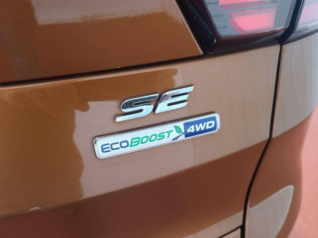 2017 Ford Escape SE 4x4 Photo9