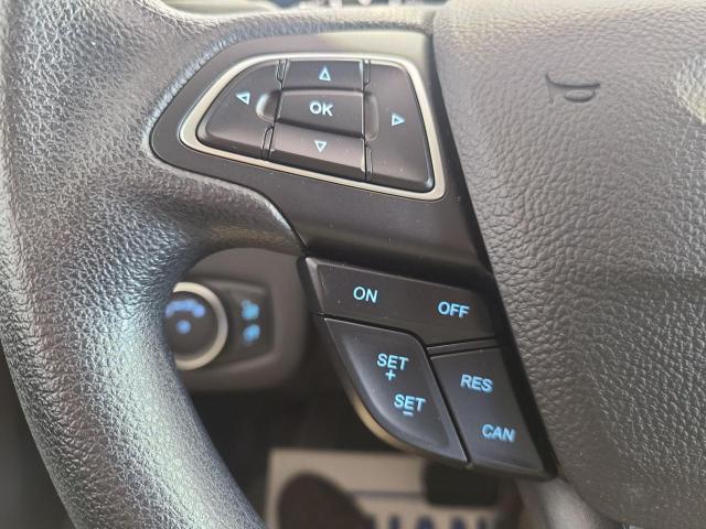 2017 Ford Escape SE 4x4 Photo12