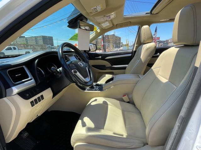 2017 Toyota Highlander Hybrid XLE Navigation /Sunroof /Leather /Camera Photo9